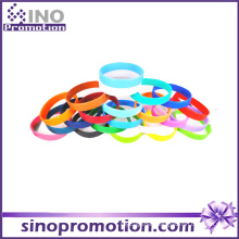 Wholesale Custom Personalized Thin Silicone Fashion Rubber Bracelet